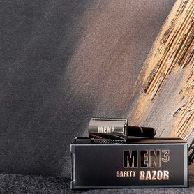 MEN³ Safety Razor.